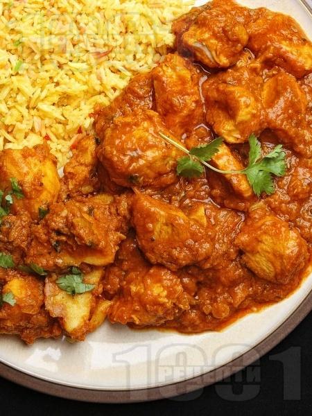 Индийско къри с пилешко месо, домати и ароматни подправки - снимка на рецептата